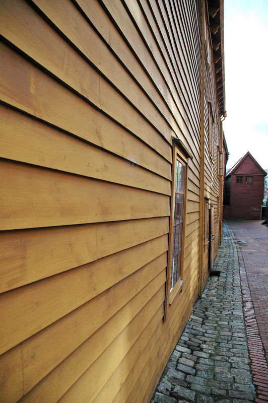 Woodwall.