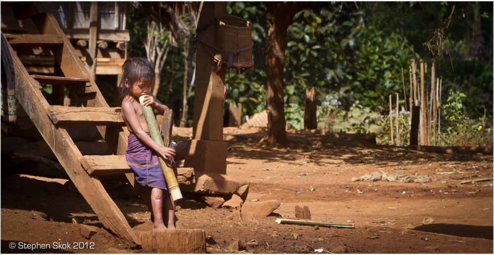 Laos, Bolaven Plateau, smoking, Katu, minority