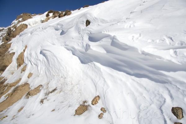 WIND&SNOW&THE ROCK