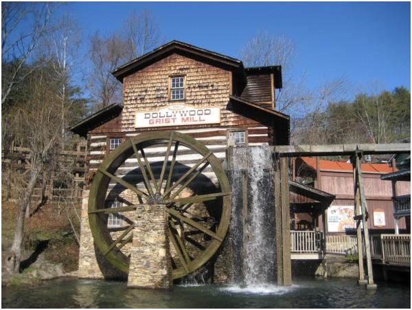 Water wheel at Dollywood