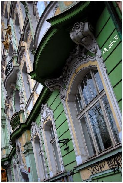 Particular care in building - Prague -