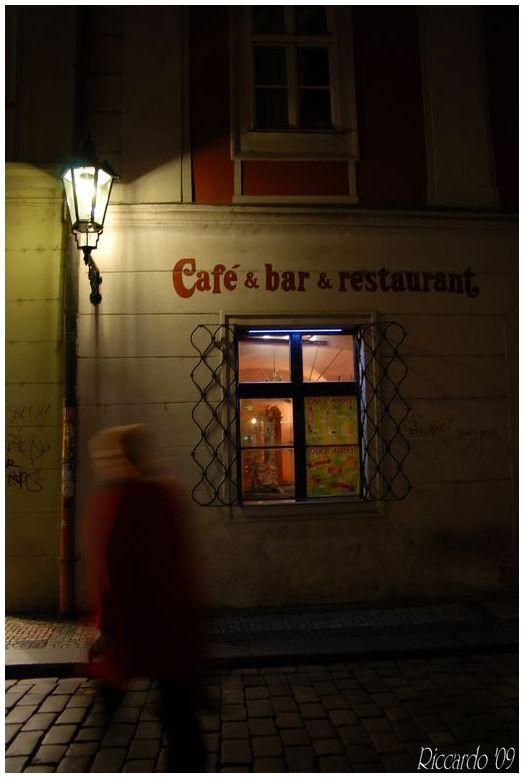 Café & Bar & Restaurant