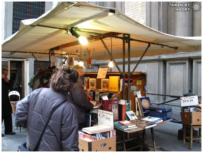 street book store