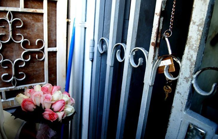 lock, flowers, gate, gatecrash, wedding brothers,
