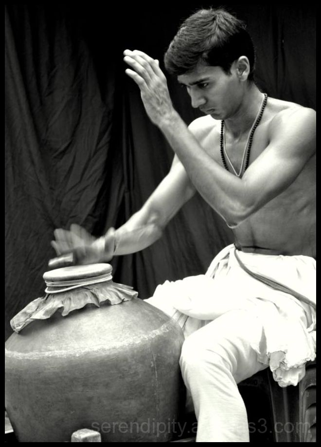 Chakyar kooth (4/6) - Harbinger of the show!