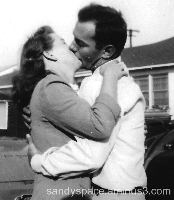 Awesome kiss circa 1932
