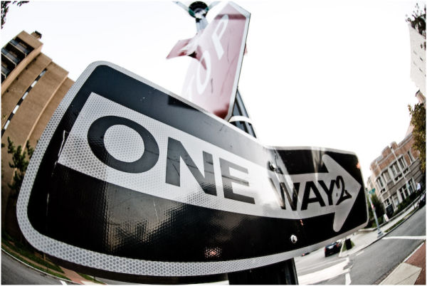 oneway street sign