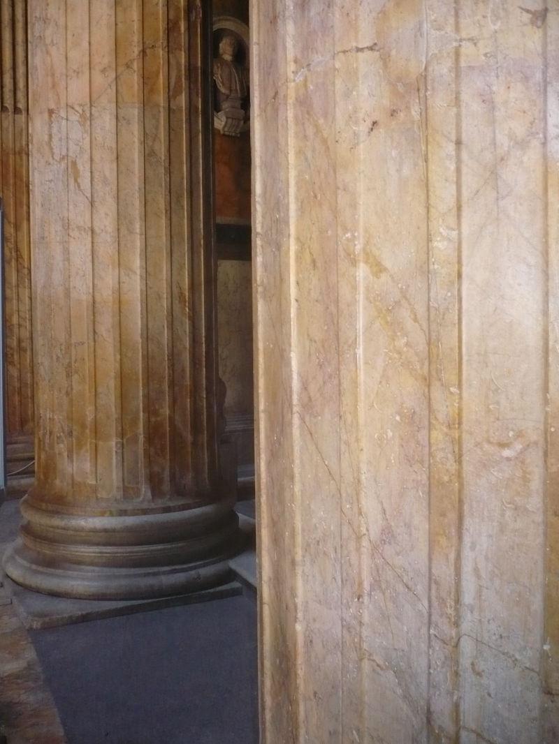 Columns Panthenon 2