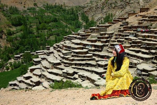 Persian girl on Iran nature