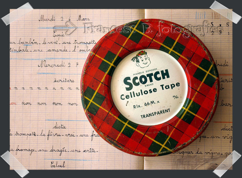 Un rouleau de Scotch ®