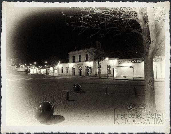 Une gare, la nuit ... Version N&B
