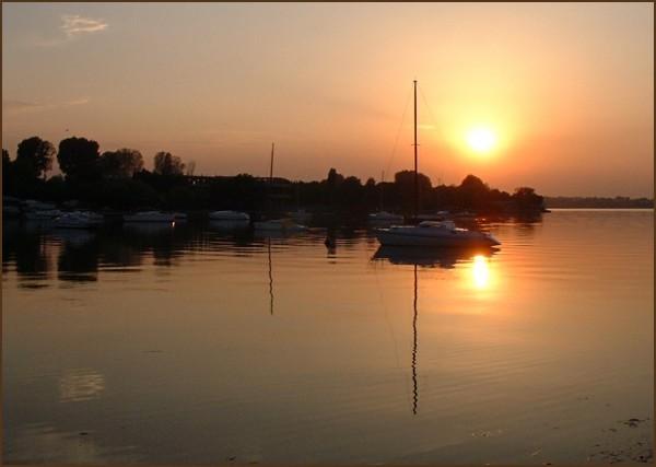 sunset valenttin
