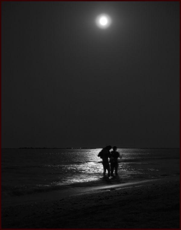 la nuit, la mer