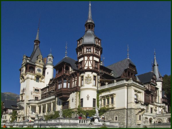 Chateau Peles/Peles castle: outside