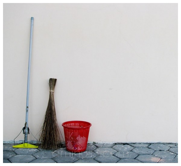 broom, trash