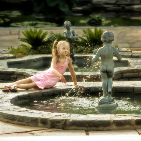 Alex and the Fountain
