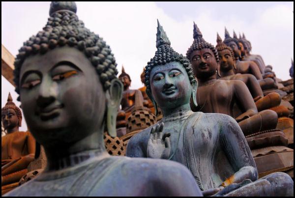 Buddha statues in Gangaramaya temple, Colombo