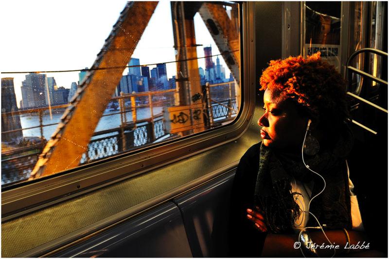 Crossing Manhattan bridge by train, New York