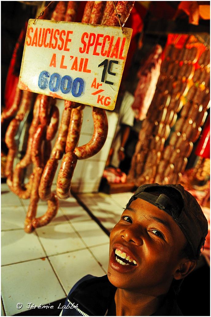 Child at the Analakely market, Antananarivo