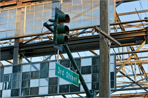 Dismantling the Bethlehem Steel in San Francisco