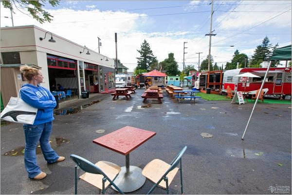 gathering of food vans and carts, Portland, Oregon