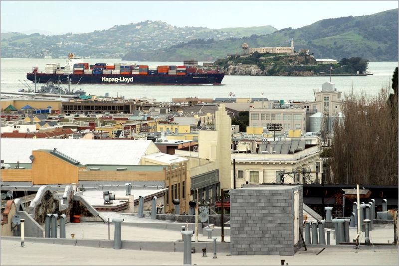 Inbound Past Alcatraz