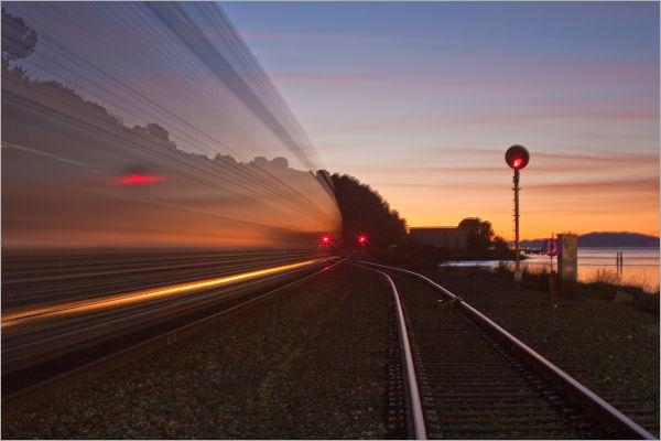 train through the Carquinez Strait