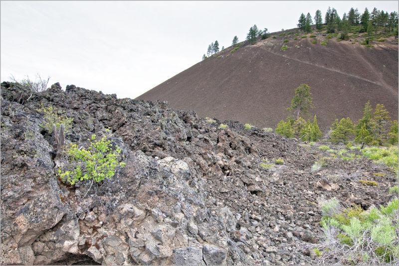 Lava Butte volcano rim caldera Cascade mountains