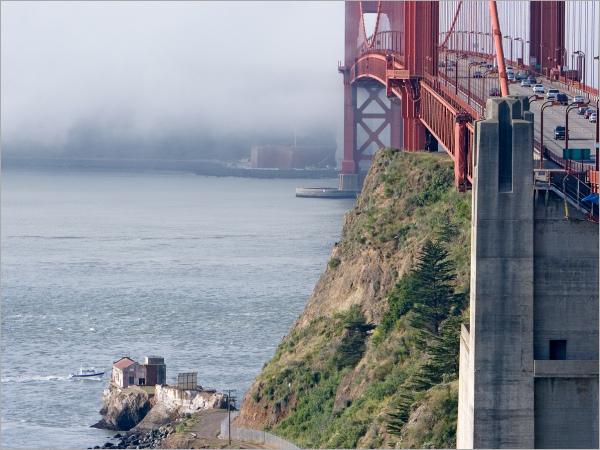 Between sun and fog: The Golden Gate Bridge