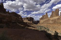 'Park Avenue' Trail   Arches National Park