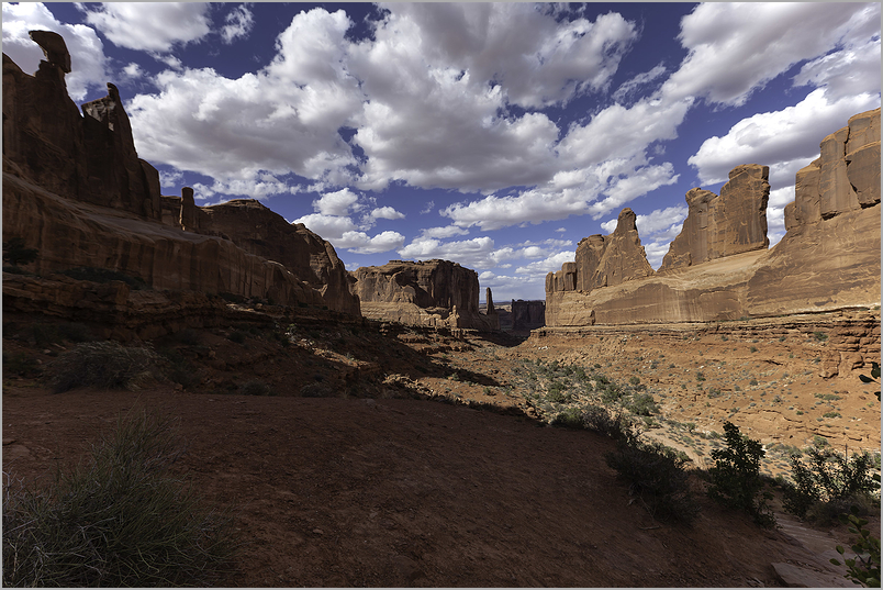 """Park Avenue"" Canyon Trail in Arches National Park"