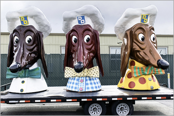 Doggie Diner Heads Three