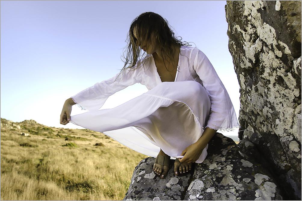Elle On The Rocks