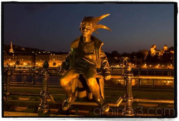 Budapest Little Princess statue