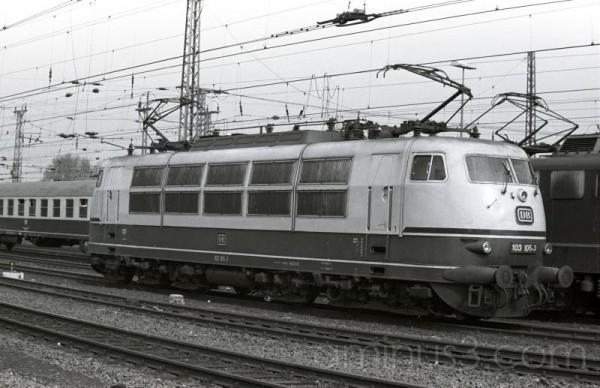 Deutsches Bundesbahn trains
