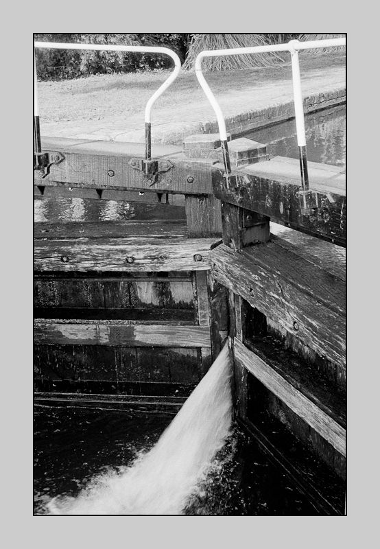Detail of lock in Grand Union Canal, Uxbridge