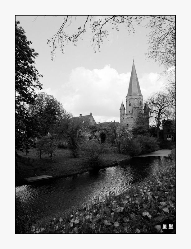 Zutphen: The Drogenapstoren city gate