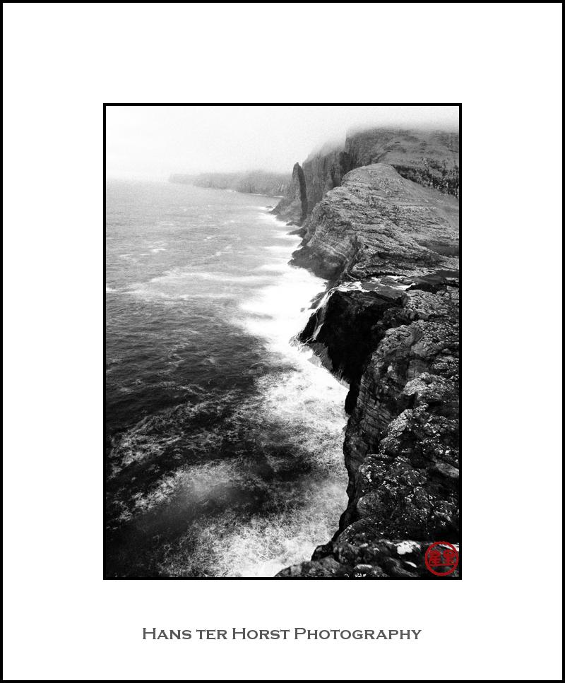 Bøsdalafossur and the ocean