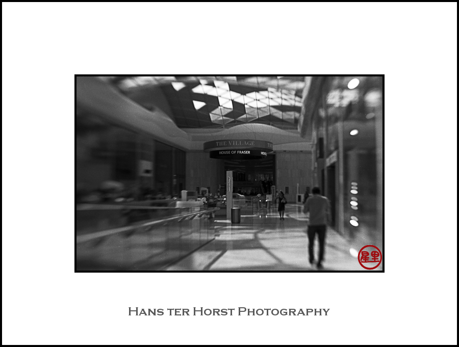 Lensbaby: Shopping mall