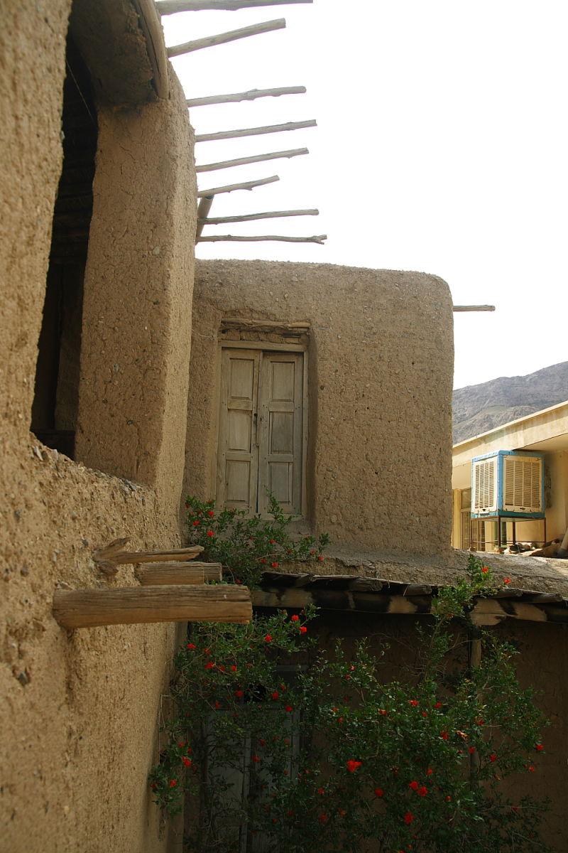House in Desert (2)