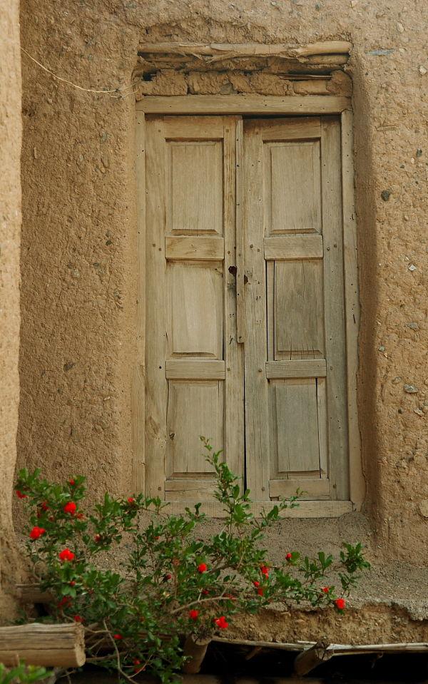 House in Desert (3)