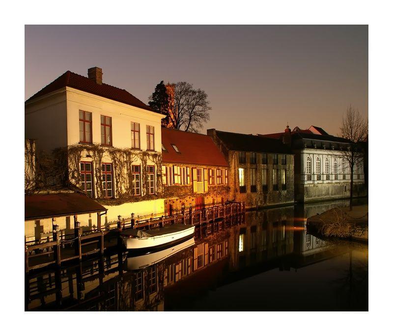 Bruges , Brugge ou  Brügge