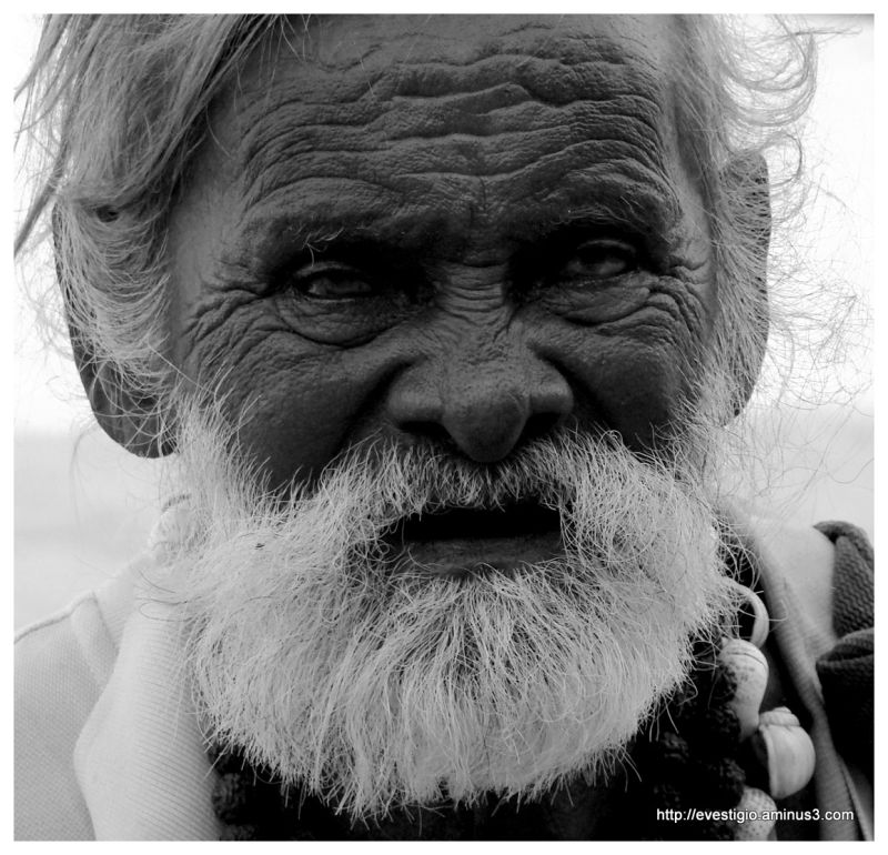 Old man on Mahabalipuram Beach