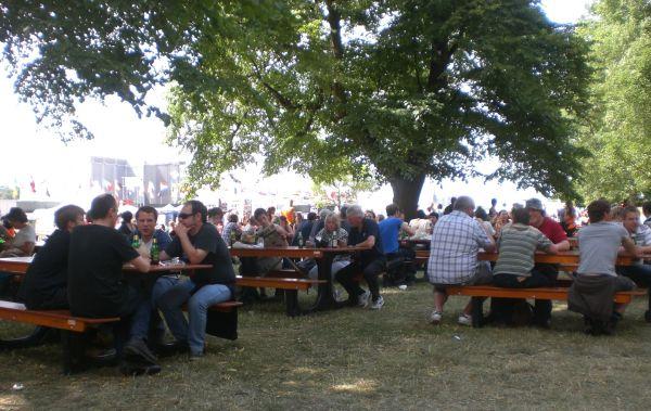 Hyde Park Drinkers