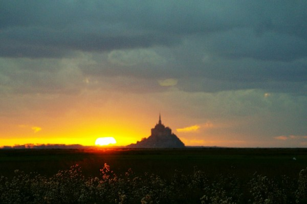 mont saint michel normandie sunset