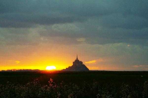 mont saint michel normandie sunset