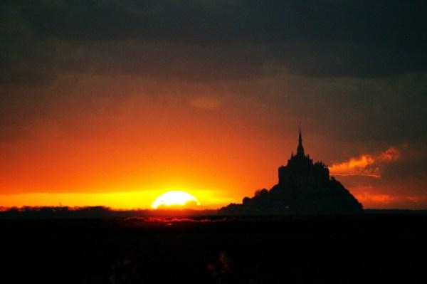 mont saint michel normandie sunset Elodie Hergoual