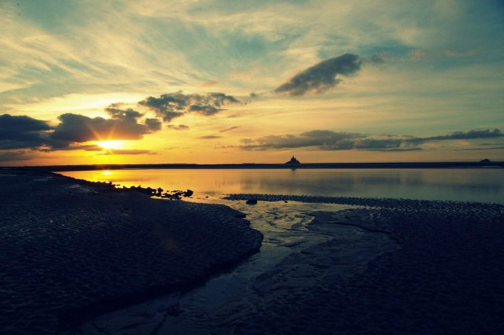 sunset baie mont-saint-michel normandie