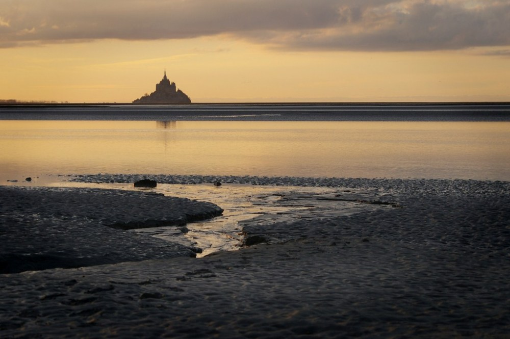 sunset baie mont-saint-michel normandie