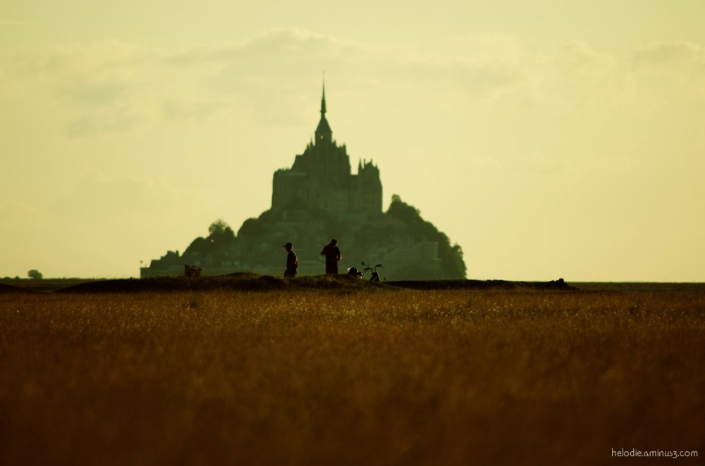 mont-saint-michel normandie roche-torin sunset